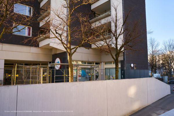 marx-zentrum-sanierung-fassadenplatten-photographed-by-gelbmann-2020-02-07-dsc962384C75E2E-C1B9-5320-DE03-005FEB4E7C5B.jpg